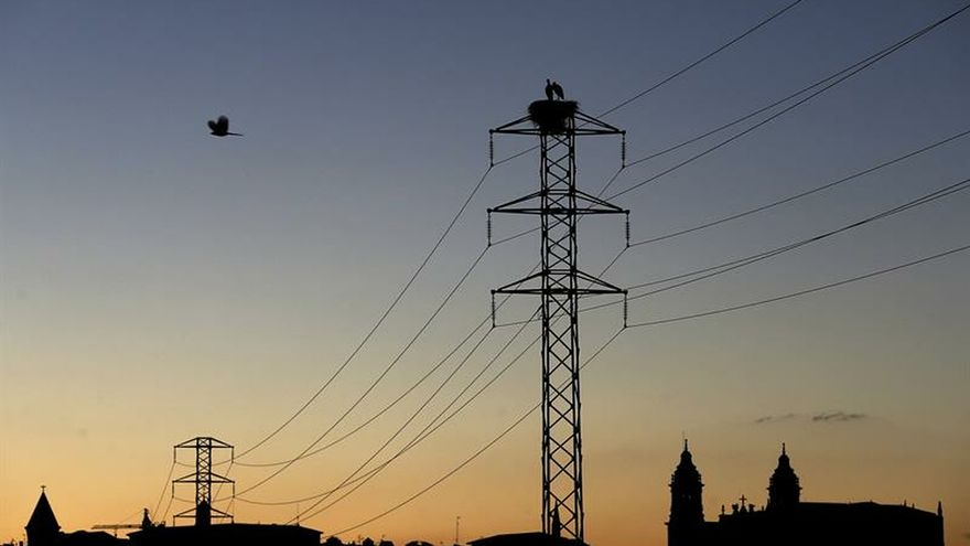 Europe wants to force Spain to allow negative prices in the electricity market: pay to produce energy